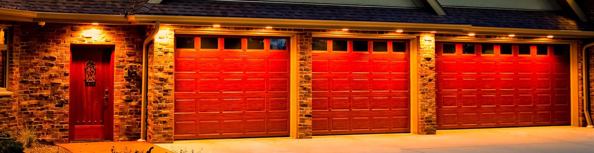 Delicieux Garage Doors Repair, Replacement And Garage Door Screens.